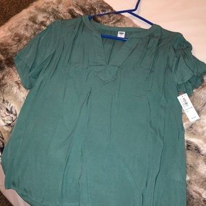 Green Old Navy blouse. NEW with tags